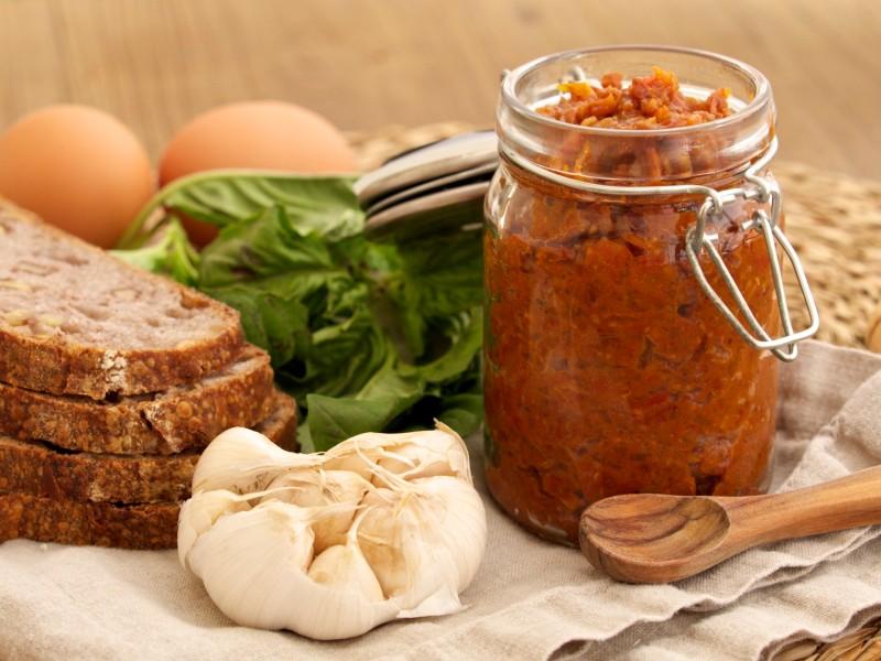 Tomato Jam with Bacon, Onion & Garlic