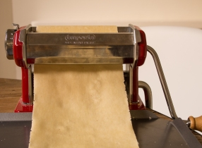 Hand Crank Pasta Roller with Sheet