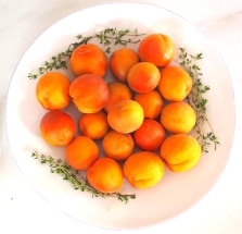 Apricots & Thyme Lighter Image