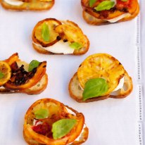 Toasts-with-Lemon-&-Basil